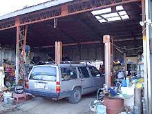 白石自動車商会メンテナンス場